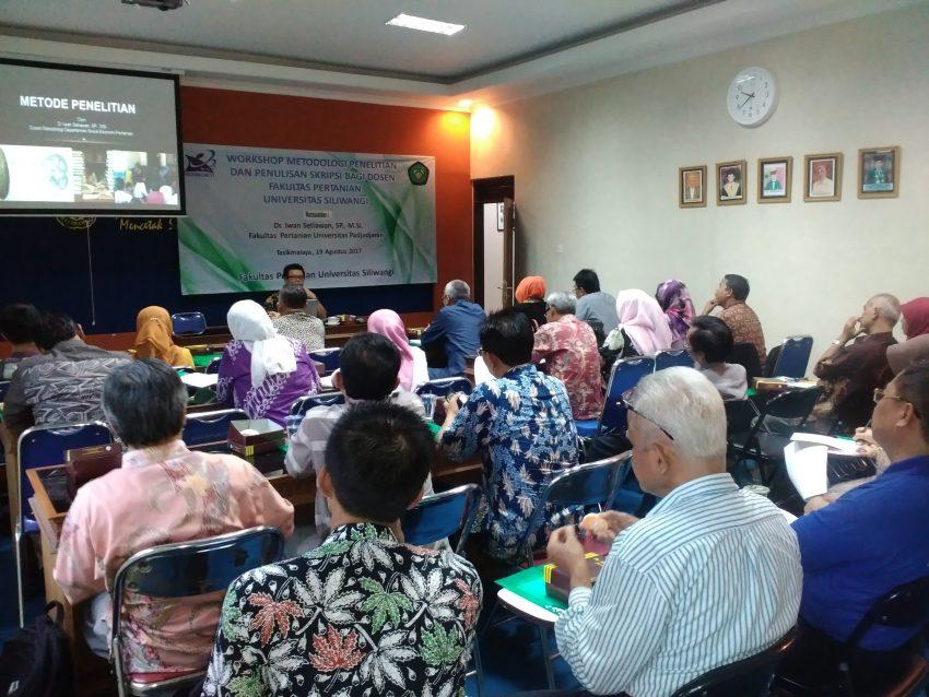 Pelatihan Metodologi Penelitian untuk Tingkatkan Kualitas Penelitian Dosen